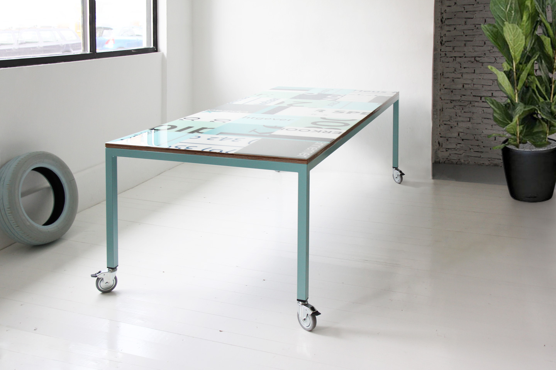 Bouwborden design tafel pastel kleuren