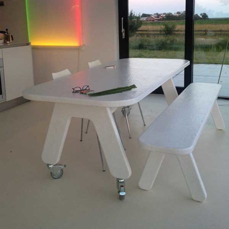 Picknick on Wheels polyester design tafel op wielen