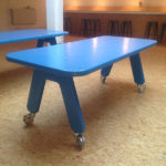 POW design tafel glasvezel versterkt polyester kleur blauw