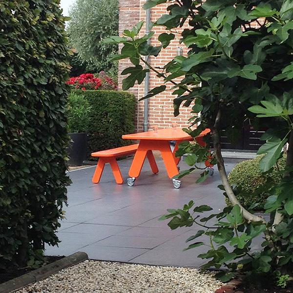 Picknick on Wheels tuintafel verrijdbaar, kleur oranje