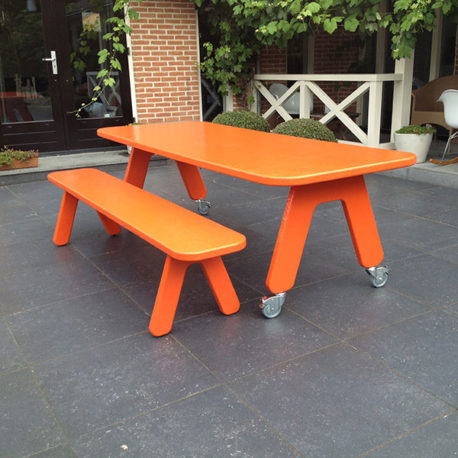 Picknick on Wheels design tafel + bankje oranje