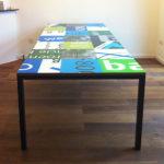 Bouwborden tafel groen gemaakt van hergebruikte bouwborden