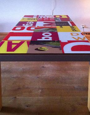 Bouwborden tafel op maat rood geel