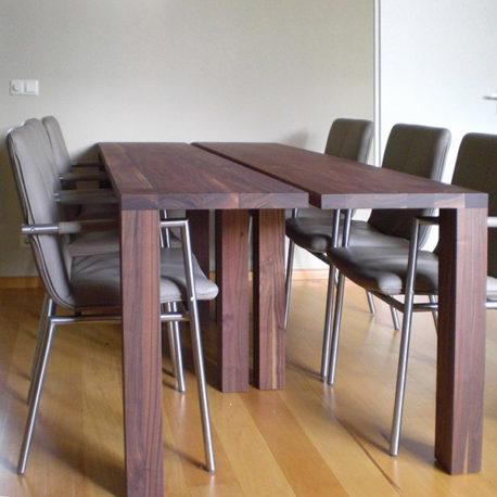 Design tafel Bedeaux II massief notenhout