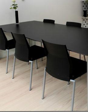 Kristalia tafel