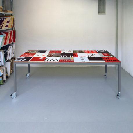 Bouwbord design tafel zwart rood, grijs frame