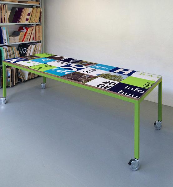 Bouwborden design tafel blauw groen, groen frame