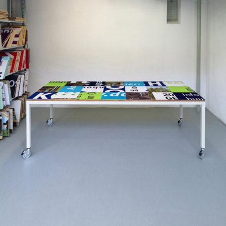Bouwborden design tafel blauw groen, wit frame