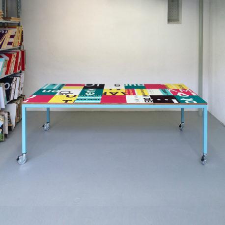 Bouwborden design tafel roze petrol