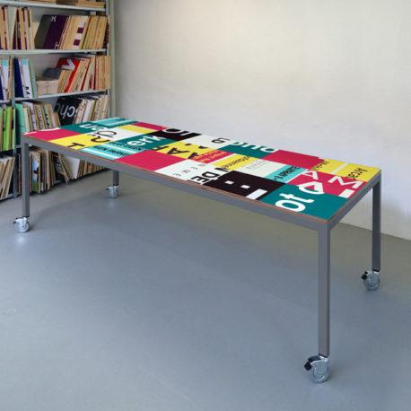 Bouwborden design tafel roze petrol, grijs frame