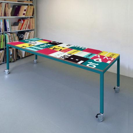 Bouwborden design tafel roze petrol, petrol frame
