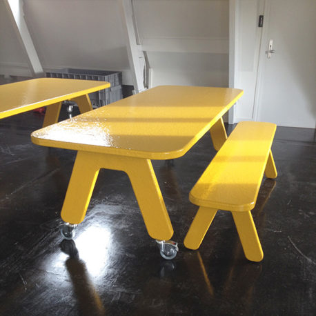 Picknick on Wheels tafel met eetbank geel