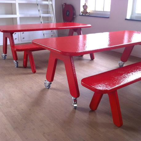 Picknick on Wheels tafel met eetbank rood