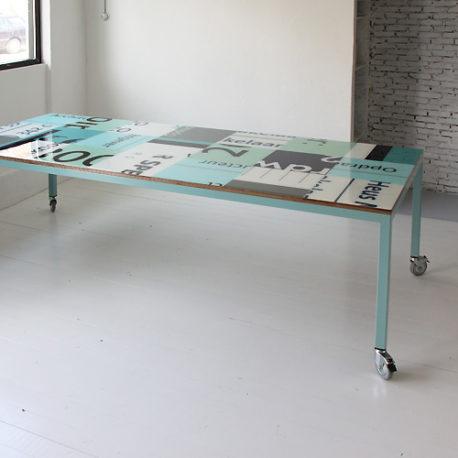 Bouwborden design tafel mint groen blauw wit met wielen
