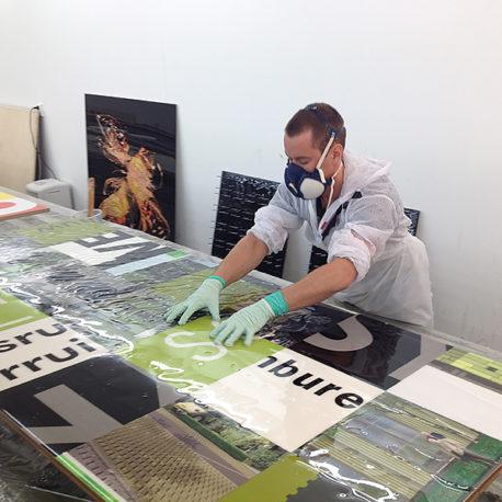 bouwborden-tafelblad-voorzien-van-hoogwaardige-epoxy