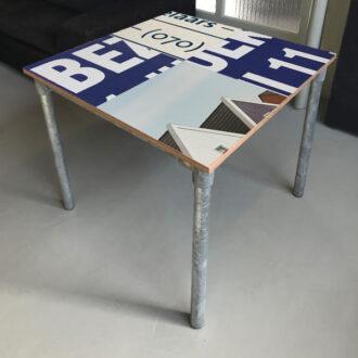 Steigerbuis tafeltje 80 x 80 cm blauw