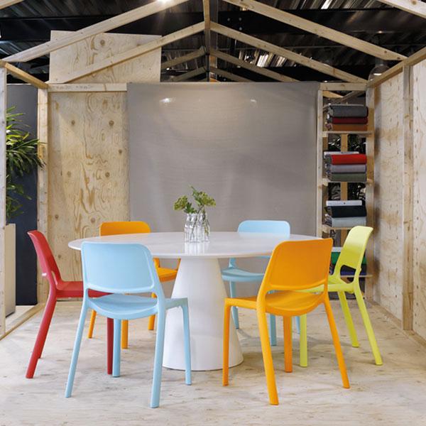 Kasper kunststof stoelen in diverse kleuren